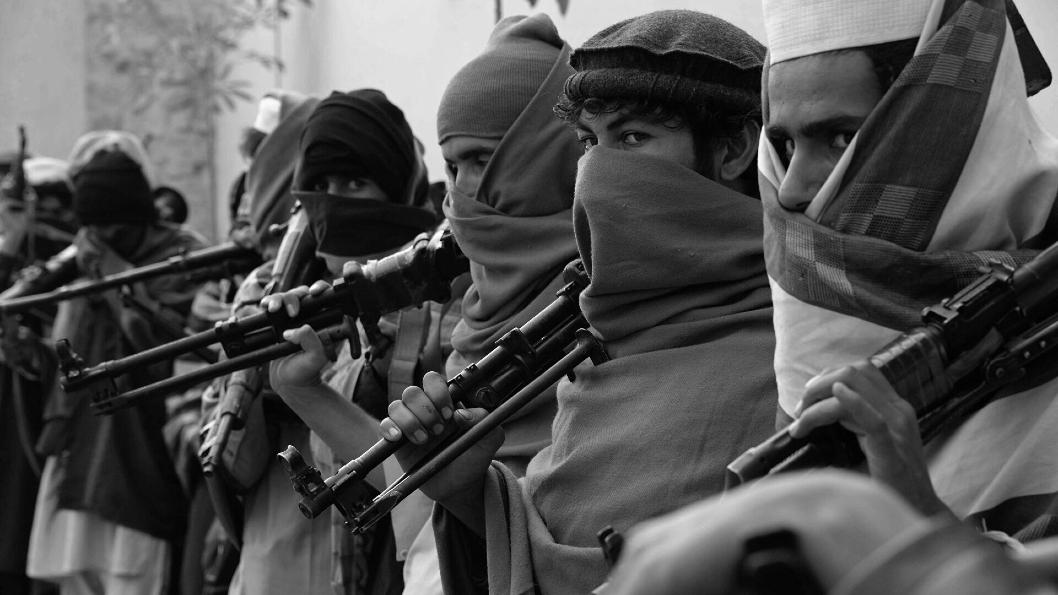Afganistan talibanes armados la-tinta