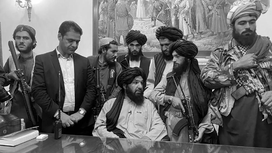 Afganistan talibanes toman el poder la-tinta