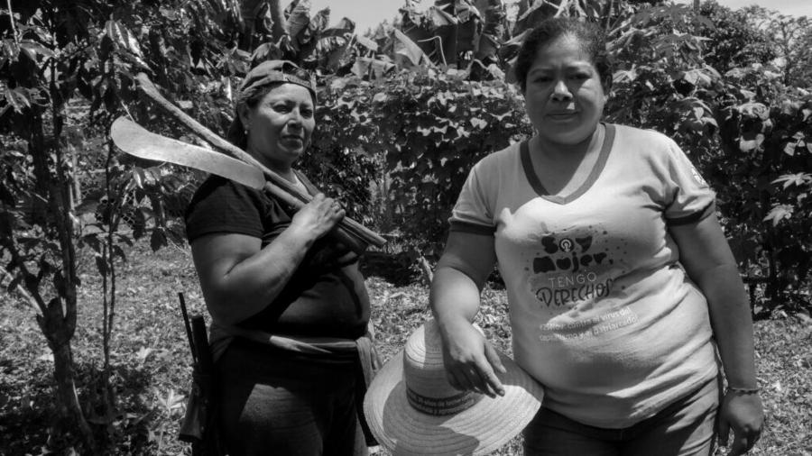 El Salvador mujeres campesinas la-tinta