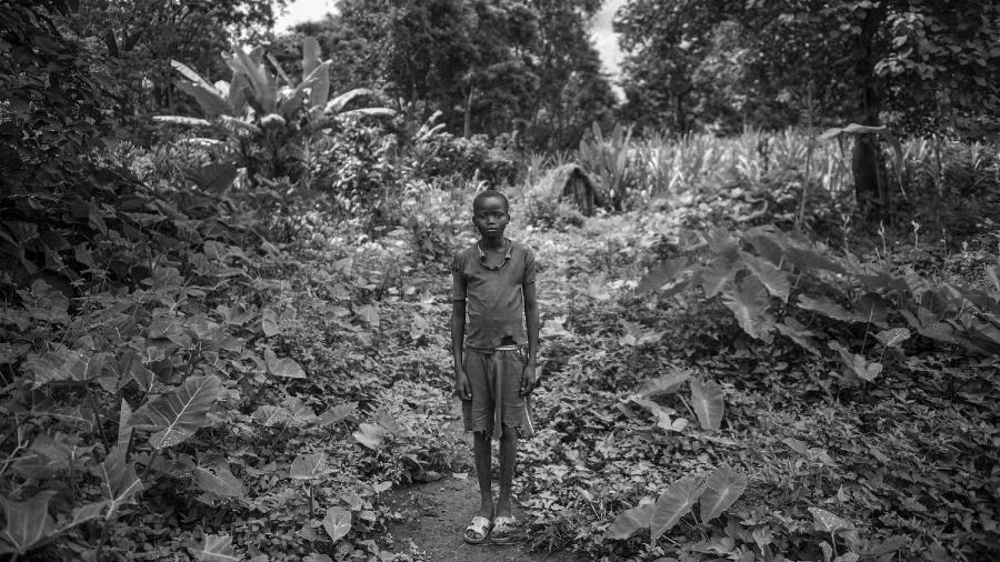Etiopia chabu niño bosque la-tinta
