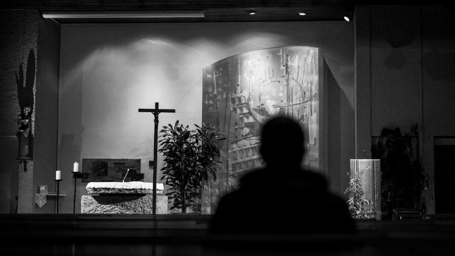 Francia iglesia catolica pedofilia la-tinta