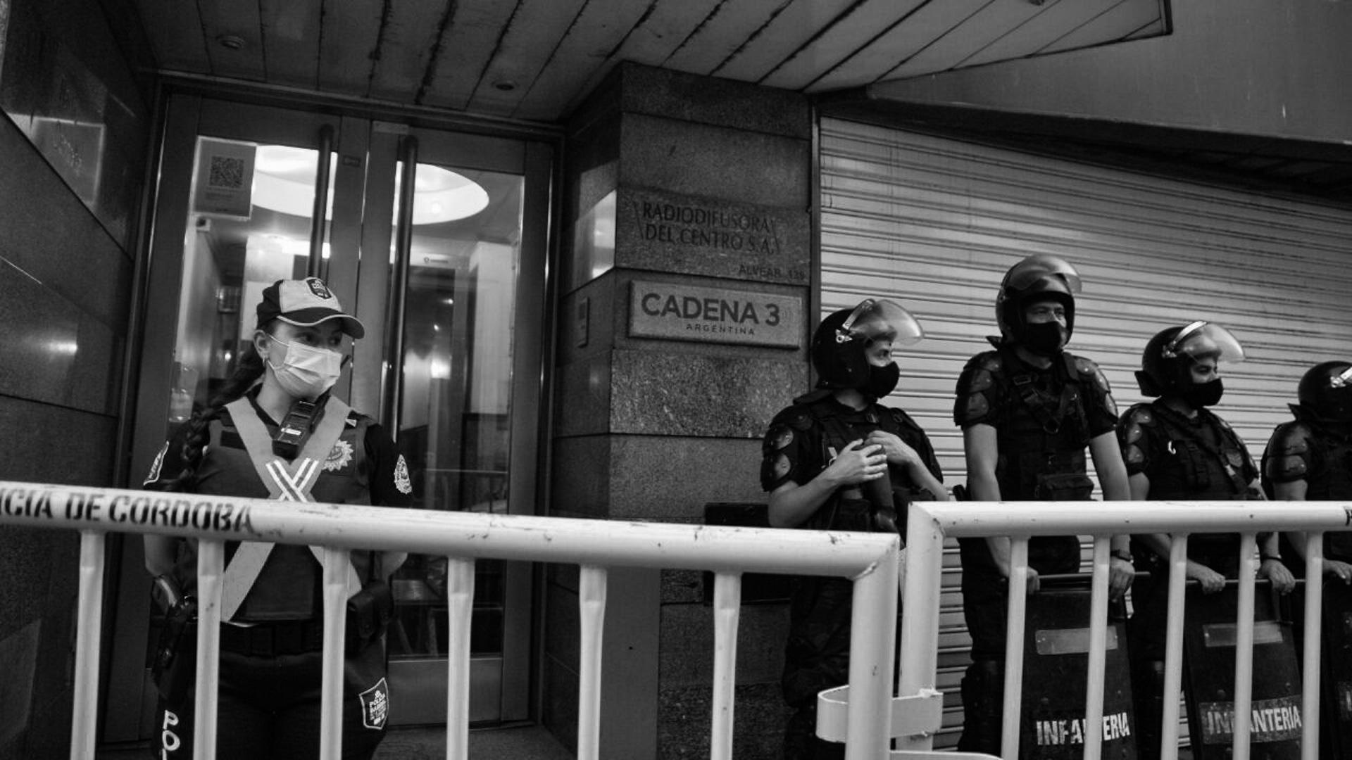 movilización-tehuel-córdoba-policía-cadena-3